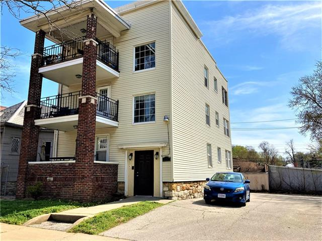 3241 Gillham Road Property Photo - Kansas City, MO real estate listing