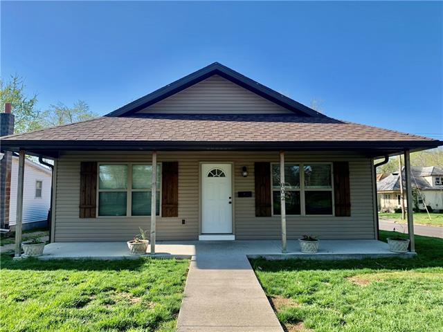 802 E 9th Street Property Photo - Sedalia, MO real estate listing