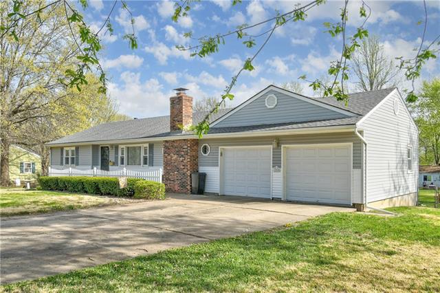 12505 E 54th Street Property Photo - Kansas City, MO real estate listing
