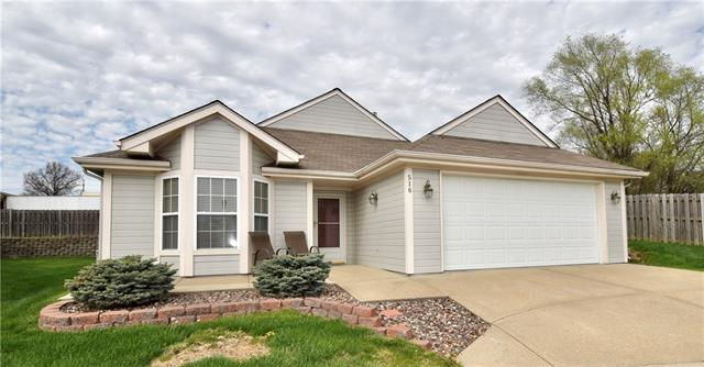 516 NW Durango Court Property Photo - Blue Springs, MO real estate listing