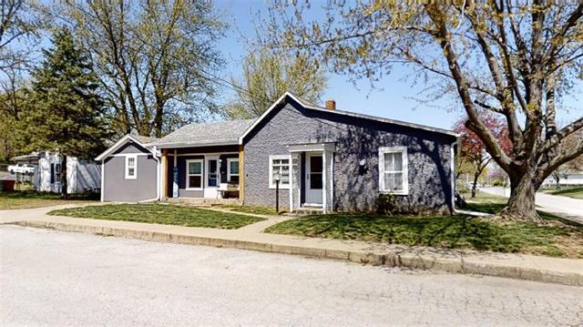 2108 Washington Street Property Photo - Lexington, MO real estate listing