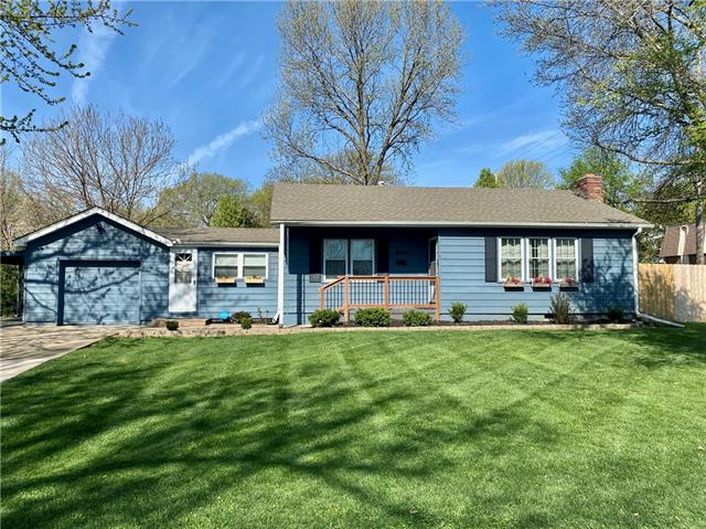 500 SE Browning Avenue Property Photo - Lee's Summit, MO real estate listing
