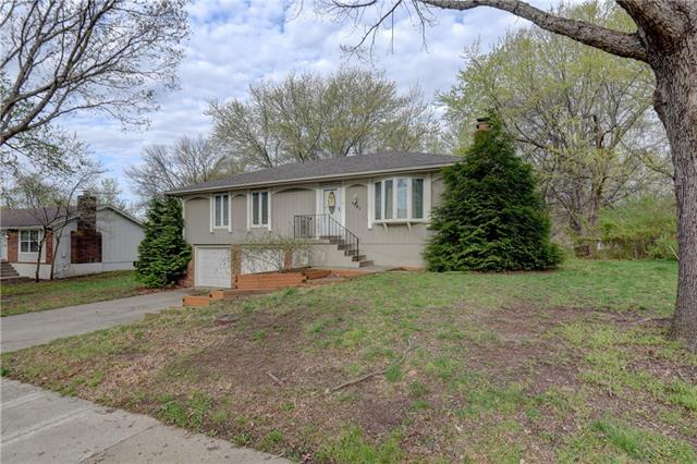 1121 NE 9th Street Property Photo - Blue Springs, MO real estate listing