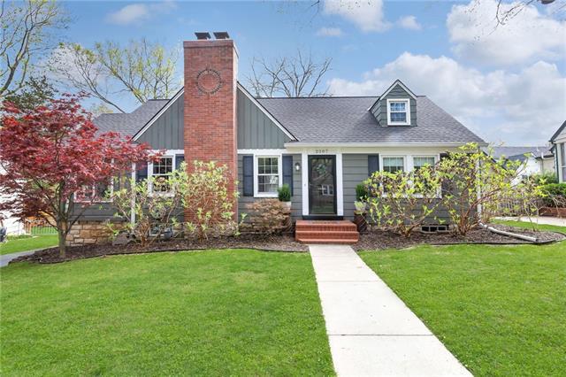2507 W 51st Street Property Photo - Westwood, KS real estate listing