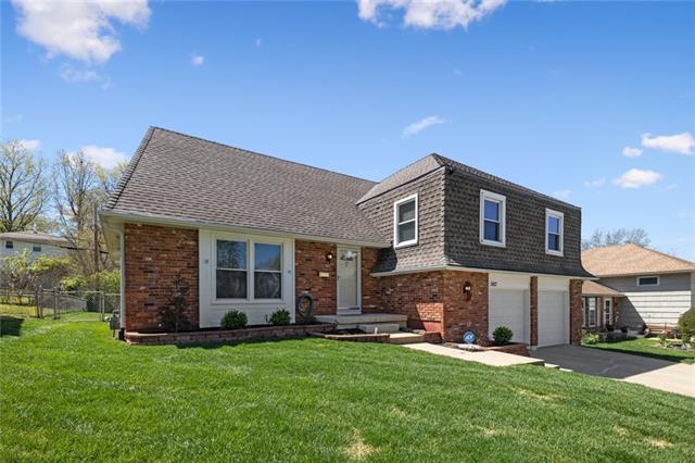 3413 E 105 Terrace Property Photo - Kansas City, MO real estate listing