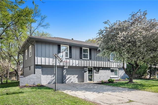 11924 W 92nd Terrace Property Photo - Lenexa, KS real estate listing