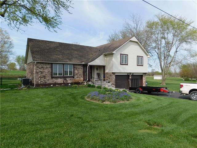 2906 Twin Pines Drive Property Photo - Harrisonville, MO real estate listing