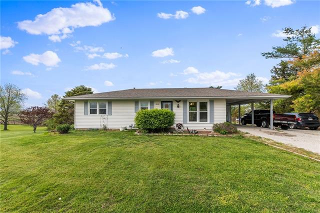 8620 Z Highway Property Photo - Dearborn, MO real estate listing