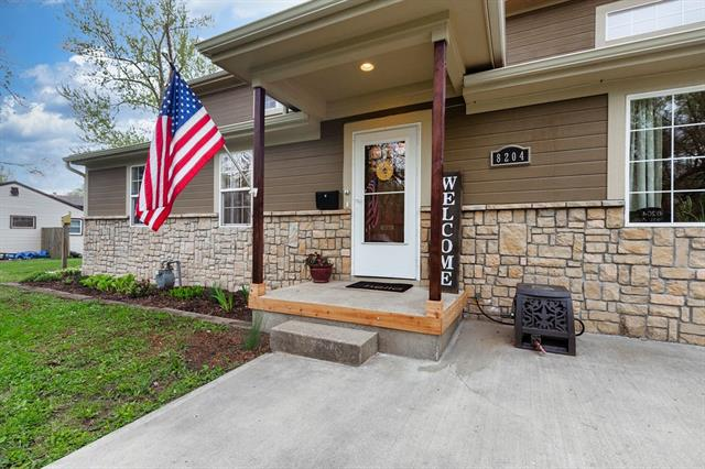 8204 LAUREL Avenue Property Photo - Raytown, MO real estate listing