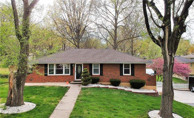 8506 Maple Avenue Property Photo - Raytown, MO real estate listing