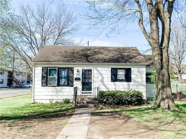 2102 Garfield Street Property Photo - Lexington, MO real estate listing