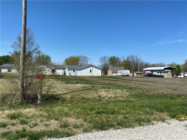 41 Deerfield Drive Property Photo - Linn Valley, KS real estate listing