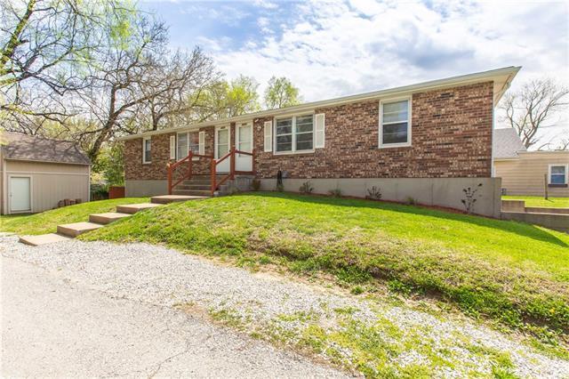 4321/4323 NE Winn Road Property Photo - Kansas City, MO real estate listing