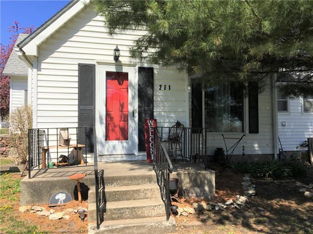 211 W Richardson Street Property Photo - Gallatin, MO real estate listing