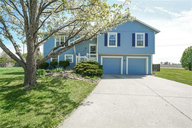 17471 S Ingrid Street Property Photo - Gardner, KS real estate listing