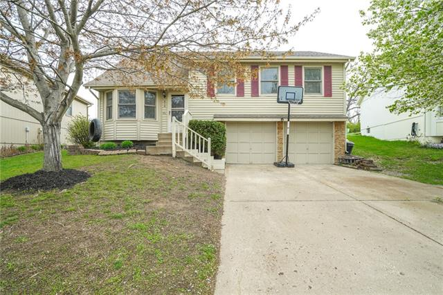 918 NW 63rd Street Property Photo - Kansas City, MO real estate listing