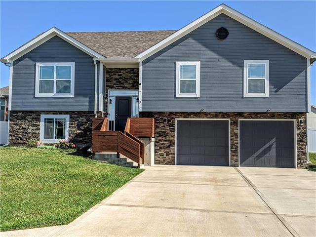323 Fairview Circle Property Photo - Platte City, MO real estate listing
