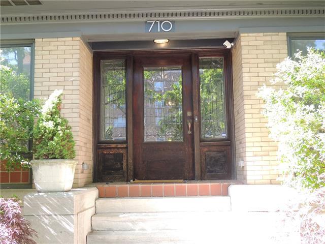 710 E Armour Boulevard Property Photo