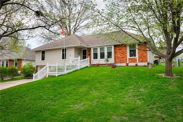 1105 NE 97th Street Property Photo - Kansas City, MO real estate listing