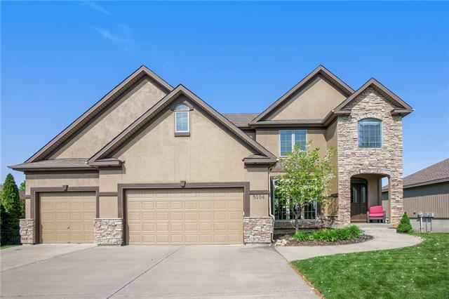 5104 S Brittany Drive Property Photo - Blue Springs, MO real estate listing
