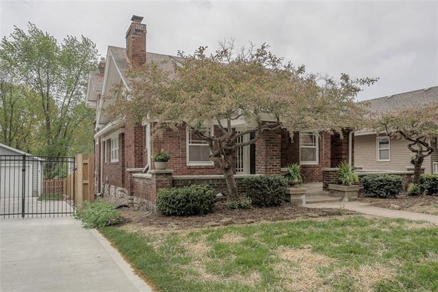 6021 Oak Street Property Photo - Kansas City, MO real estate listing
