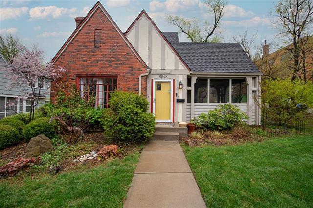 6849 Oak Street Property Photo - Kansas City, MO real estate listing