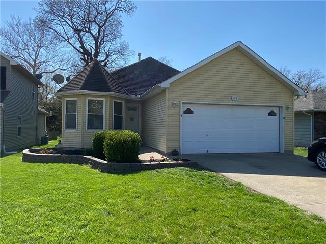608 Silver Hill Drive Property Photo - Bonner Springs, KS real estate listing