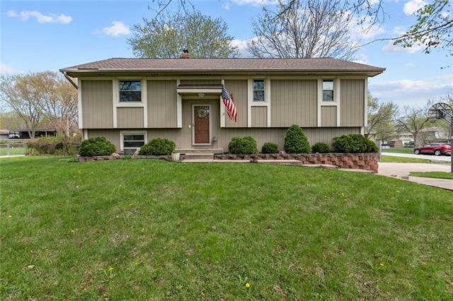 10501 N Walnut Street Property Photo - Kansas City, MO real estate listing