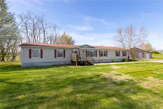 2123 SE Vincent Road Property Photo - Faucett, MO real estate listing