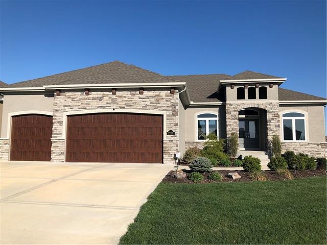 2120 NE 105th Street Property Photo - Kansas City, MO real estate listing