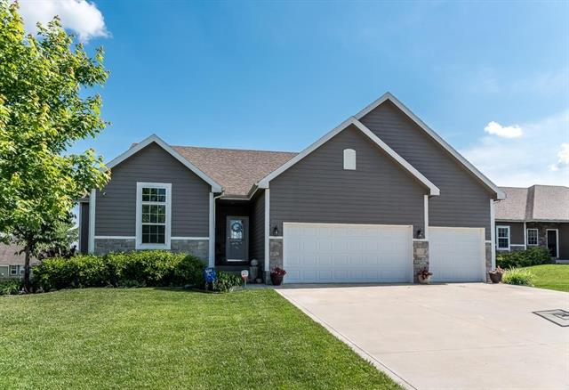 2440 E Sycamore Street Property Photo - Tonganoxie, KS real estate listing