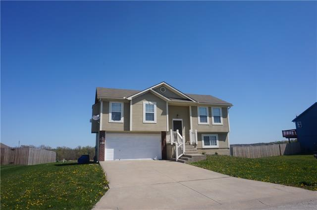 634 SW Tisha Lane Property Photo - Grain Valley, MO real estate listing