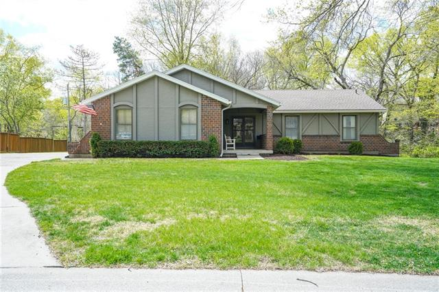 7701 W 100TH Place Property Photo - Overland Park, KS real estate listing