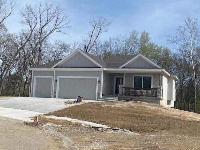 2109 Hollow Log Drive Property Photo - Kearney, MO real estate listing