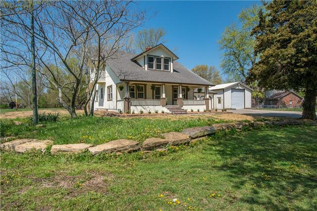 398 W 4th Street Property Photo - Peculiar, MO real estate listing