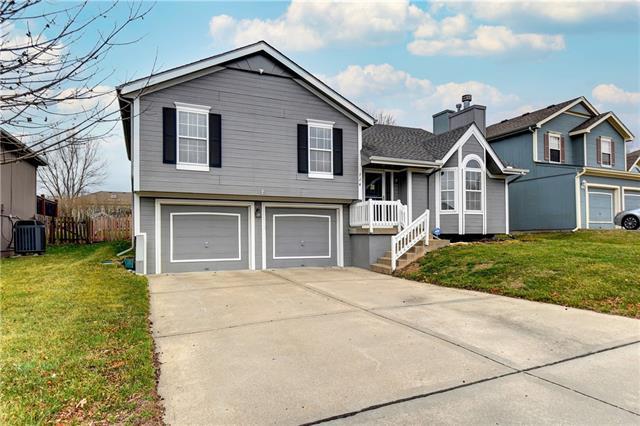 724 NE 107TH Street Property Photo - Kansas City, MO real estate listing