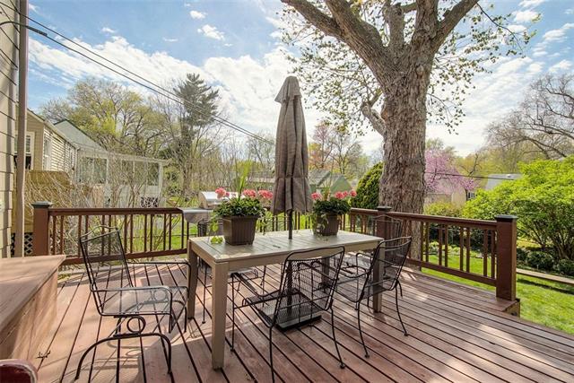 5318 Juniper Street Property Photo - Roeland Park, KS real estate listing