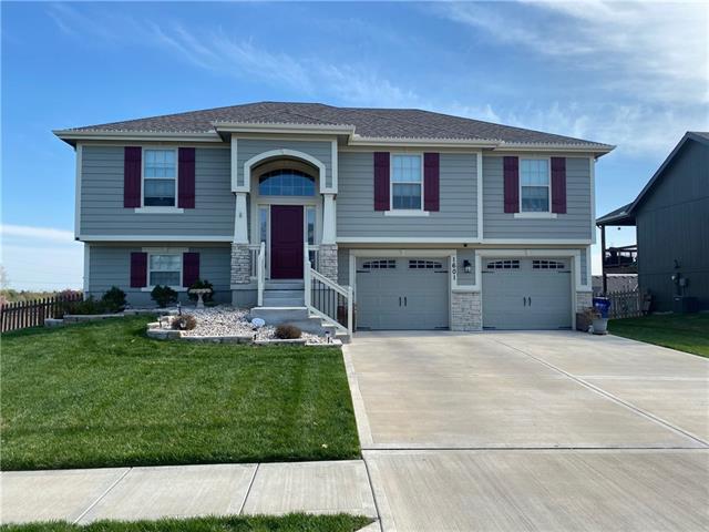1601 Sycamore Ridge N/A Property Photo - Kearney, MO real estate listing