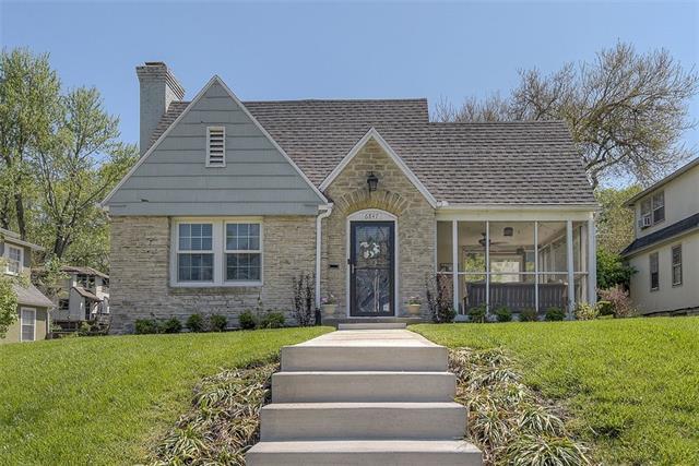 6847 Oak Street Property Photo - Kansas City, MO real estate listing