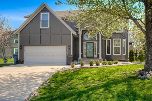 15315 S Blackfeather Street Property Photo - Olathe, KS real estate listing