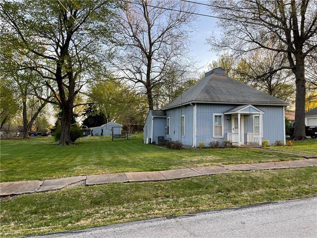 319 W Walnut Street Property Photo - Cleveland, MO real estate listing