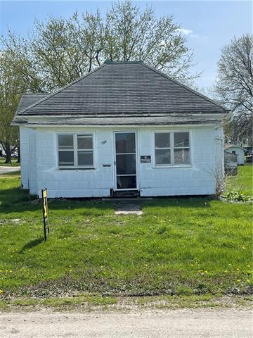 308 E School Street Property Photo - Hamilton, MO real estate listing