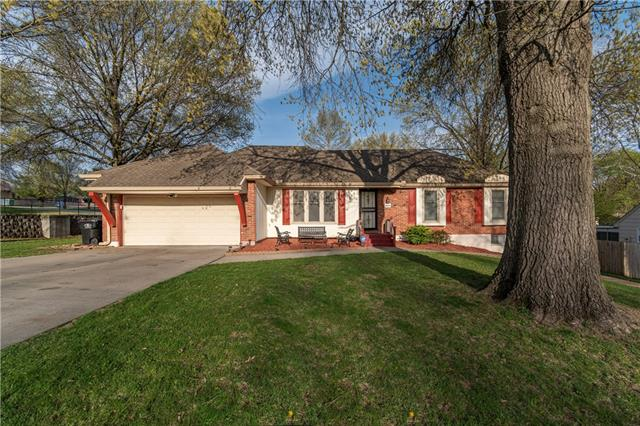 3901 S Hands Street Property Photo - Independence, MO real estate listing