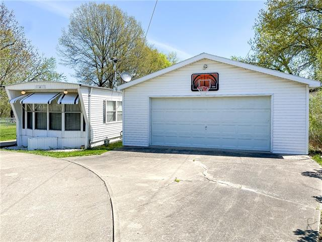 3407 S Washington Avenue Property Photo - Sedalia, MO real estate listing