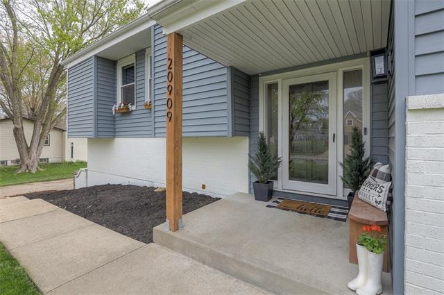 20909 W 52nd Terrace Property Photo - Shawnee, KS real estate listing