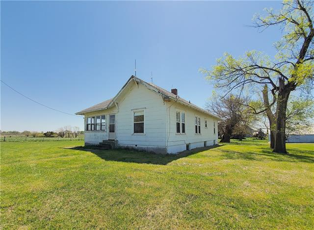 32644 SE 31 Highway Property Photo - Kincaid, KS real estate listing