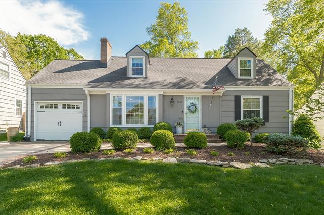 3403 W 73rd Terrace Property Photo - Prairie Village, KS real estate listing