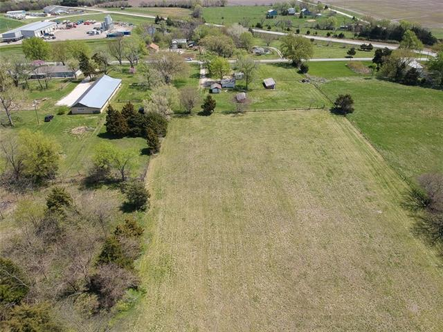 26125 NE Neosho Road Property Photo - Garnett, KS real estate listing