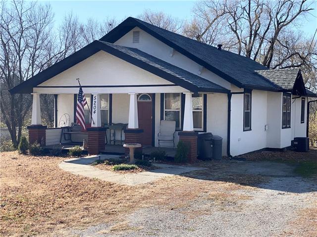 5204 Rock Springs Road Property Photo - St Joseph, MO real estate listing