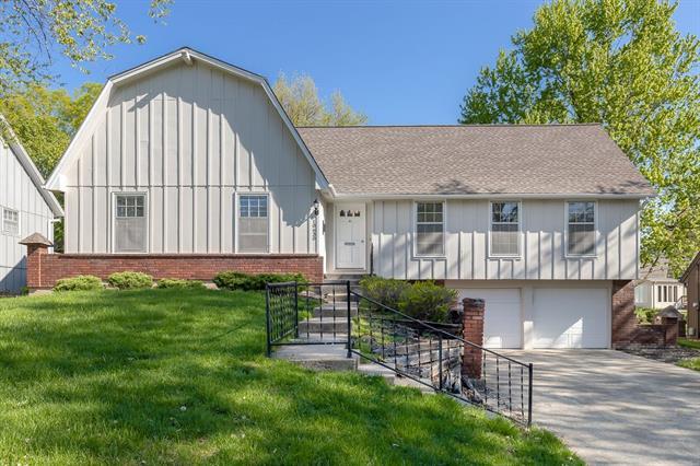 10630 W 99th Street Property Photo - Overland Park, KS real estate listing